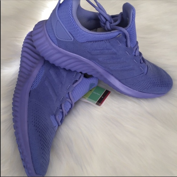 369f20e0d Adidas Alphabounce Youth Size 6.5 NEW